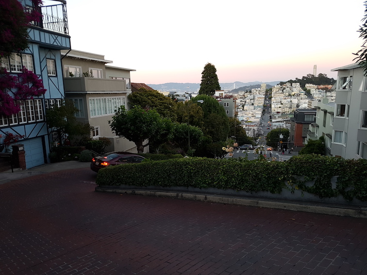 J1 san francisco le golden gate lombard street la for Adresse de la maison bleue san francisco